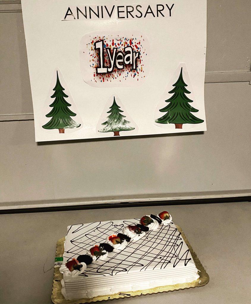 , Happy 1 Year Anniversary GLOM Pine!